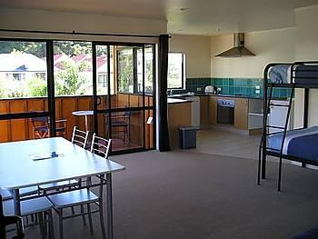 Bay Adventurer Apartments & Backpacker Resort Paihia