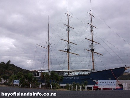 Tail Sailing ship in the Pirate style like the R. Tucker Thompson in the Bay Of Islands